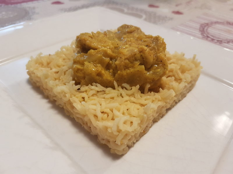 Pollo al curry, yogurt greco e riso basmati integrale