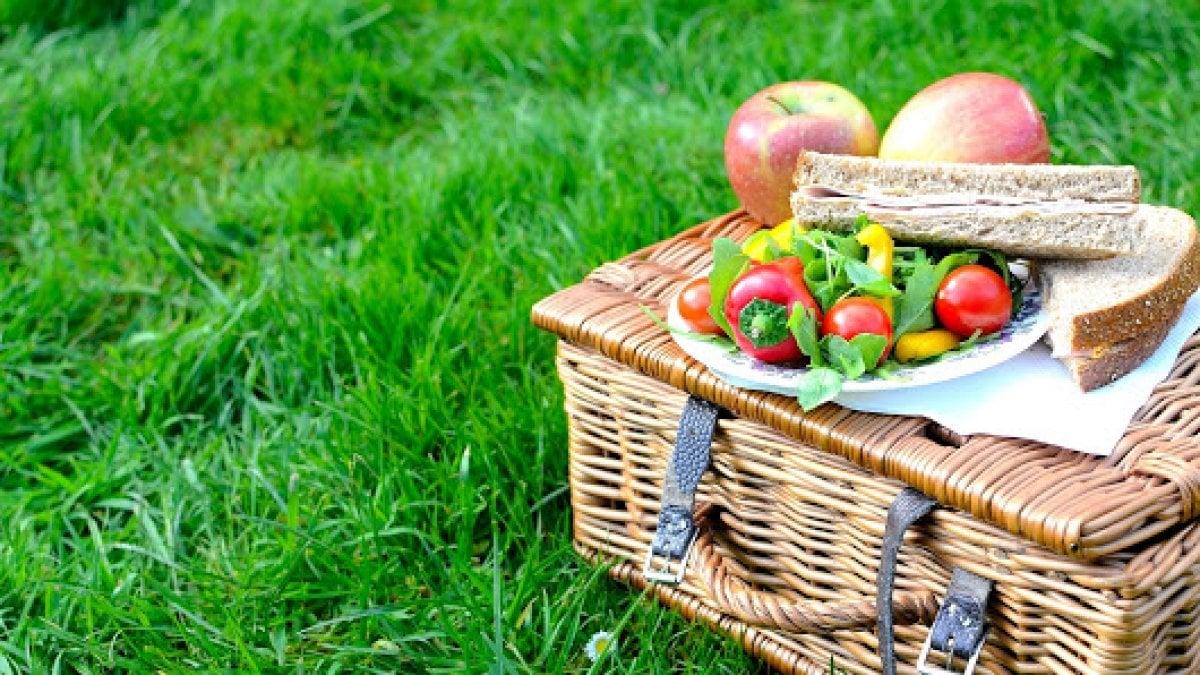 Consigli per un picnic sano e gustoso