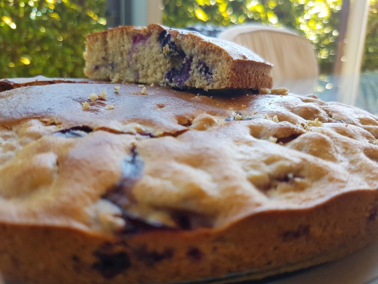 Torta sofficissima ai lamponi e mirtilli