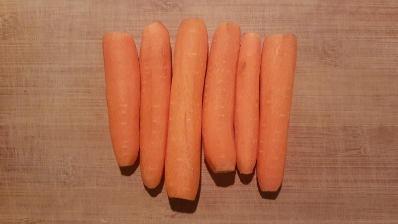 Tonno scottato in crema di carote, zafferano e zucchine grigliate