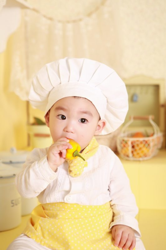 come educare i bambini a mangiare meglio
