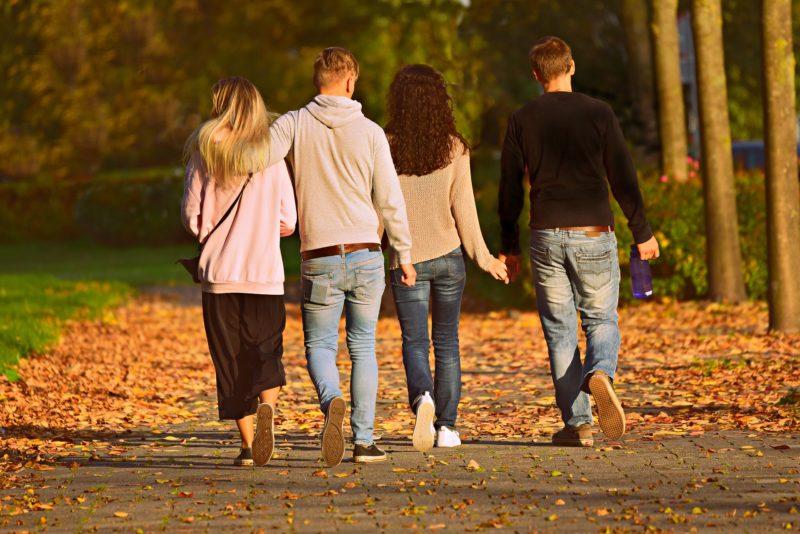 perché fa bene camminare in gruppo