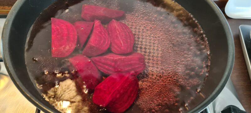 Bulgur con barbabietole rosse e grana