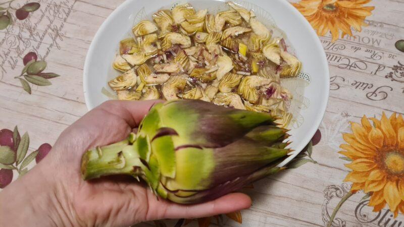 Quinoa con carciofi e piselli